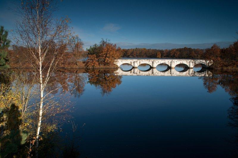 Mosty mezi Starou a Novou Hlínou